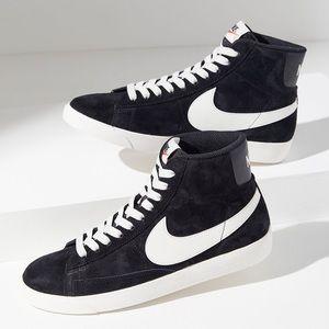 Nike Blazer Vintage Mid rise size 8